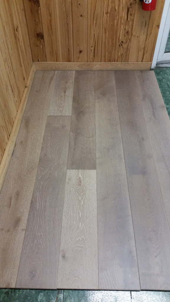 European White Oak Specs ½ X 7 1 6 60 Lengths 9 Ply Plywood Core 2 Mm Wear Layer Textures Available Light Um Wirebrush